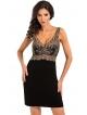 donna czarna koszulka nocna z kwiatową koronką w kolorze ecru na ramionach i miseczkach pas szerokiej koronki pod biustem