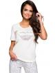 bawełniana pizama damska z nadrukiem roślinnym na koszulce i spodniach jasne kolory koszulka krótki rękaw spodnie rybaczki