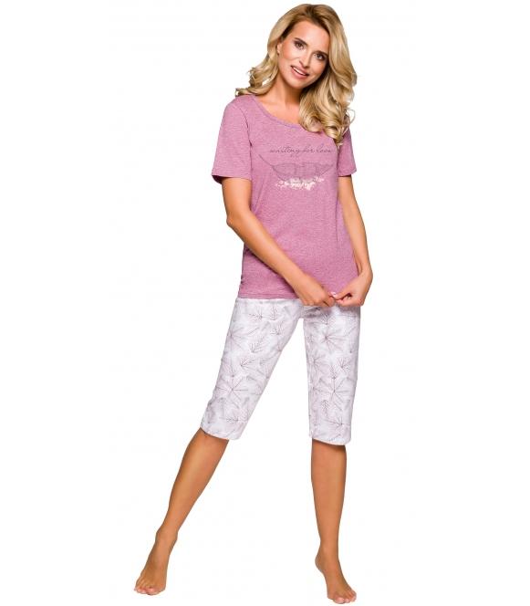 rozowo ecru pizama damska bawelniana motyw roślinny koszulka krotki rękaw nadruk spodnie ecru typu rybaczki taro
