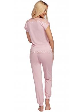 piżama damska w pudrowo różowym kolorze koronkowe dodatki krótki rękaw spodnie ze ściągaczem donna lena